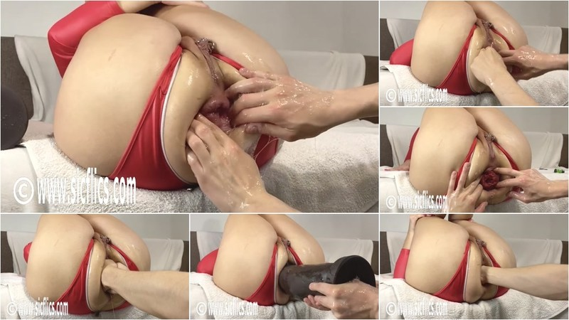 Queen Nikoletta - Double fisting Nikolettas ass 6 [HD 720P]