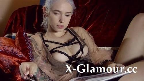 Arteya - Blonde Punk Stunning Breast [HD/720p]