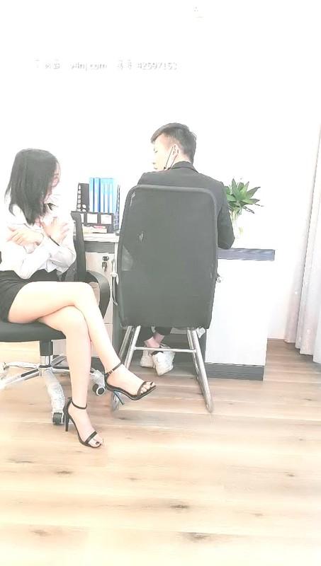 2020.11.14【A办公室小姐姐助理】办公室里就我和男同事 难受找他