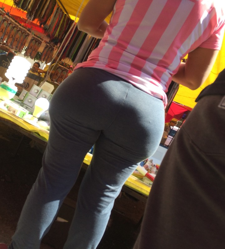 curvy mature lady in yogapants