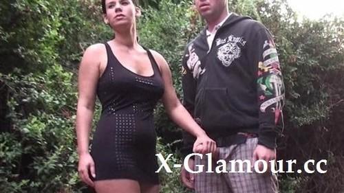 Amateurs - Euro Girl Taking Two Outside (HD)
