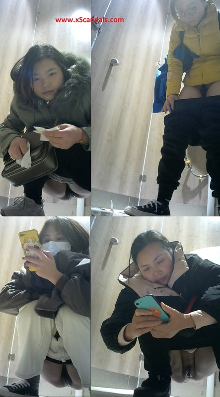 Chinese toilet photographers sneaked into the shopping mall