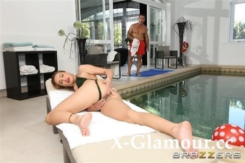 Anal At The Hotel Pool [HD]