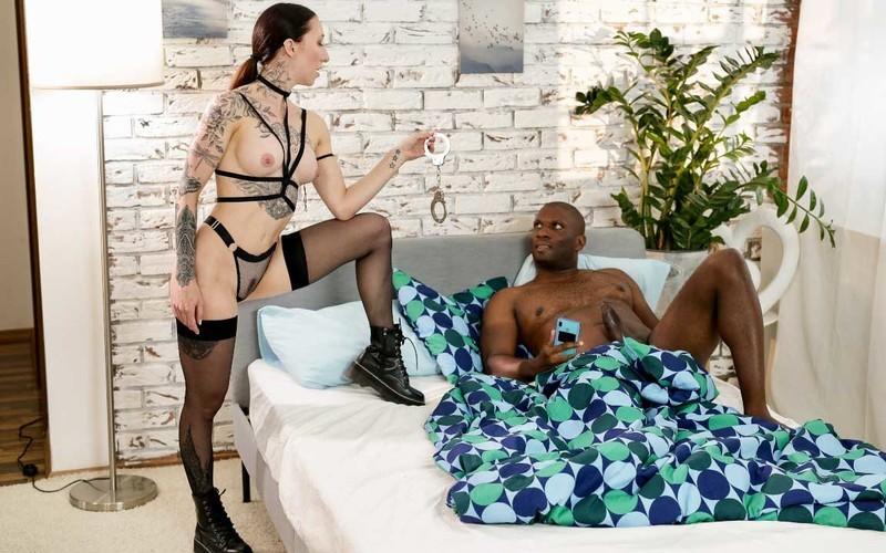 Esluna - Kinky Alt Babe Handcuffs Boyfriend - Watch XXX Online [FullHD 1080P]
